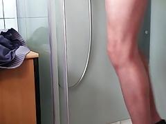 Peeing crossdresser
