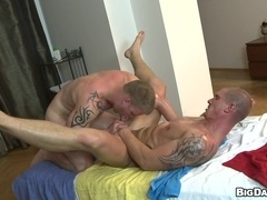 Muscular gays Paul Fresh and Max Born enjoy drilling each other's butts