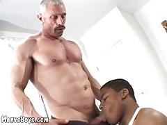 Old muscleman lets a huge black shaft