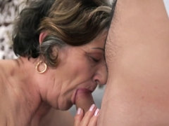 Mature woman with skillful pussy wants satisfaction from stallion