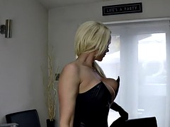 leather secretary playing
