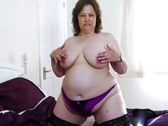 EuropeMaturE Bigtitted Chunky Solo Toying Solo play