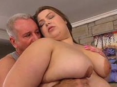 Heavyweight Hoe BabyDollBBW Gets Her Desires Gratified by a Fetishist Masseur