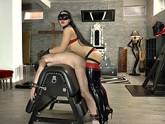 strapon latex mistress