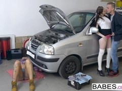 Babes - Stepmom works on the car and shares the cock