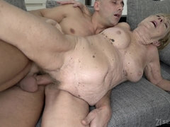 old and young sex with ugly grandma - GILF gets cumshot