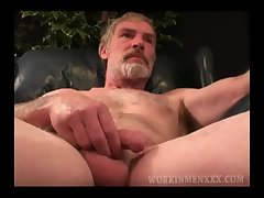 Mature Amateur Paul Jacks Off