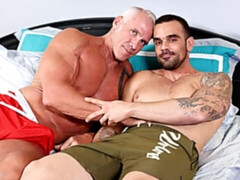 Old/young gay fuck vid starring Damien Crosse and Dallas Steele
