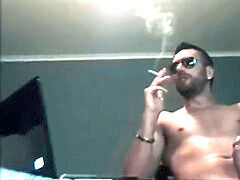 stud SMOKE ARCHIVE - SMOKIN ITALIAN bang stud POUNDS N SPRAYS HIS HOOD PIG