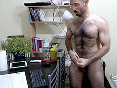 Dimitris NastyMind : Greek muscle wolf finishes off on camera after on spunk Show