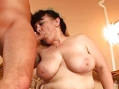 Shaggy Old maid tries threesome
