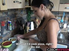 Housewife stops cooking pizza to be fucked