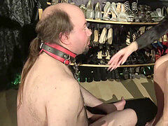 facehole stretching - sole Gagging by Domina Jemma