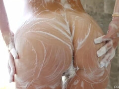 Gabbie Carter enjoys sensual sex after taking shower