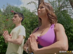 Jordi El Nino Polla fucked Alexis Fawx in the city park