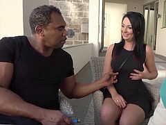 gorgeous housewife with big natural boobs pickup a black man to nail her