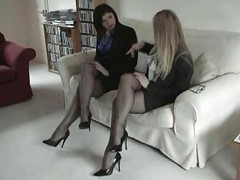 Black Fully Fashioned Nylon Stockings Leg and also Foot Fetish