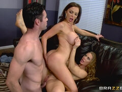 Strong dude proves he is talented enough to fuck two babes