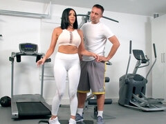 Insatiable milf had sex in the gym