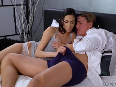 Dane Jones (SexyHub): Slim Czech beauty loves to suck