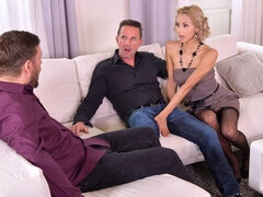 Glamorous maid Veronica Leal is enjoying intensive double penetration