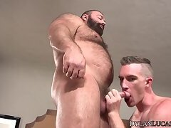 Mature bear Brad Kalvo ass fucks young hunk Nick Fitt