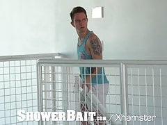 ShowerBait Shower fuck with Timothy Drake & Aiden Ward