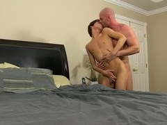 muscle guy fucks his twink worker