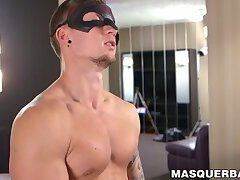 Inked jock is playing with his nipples while jerking off